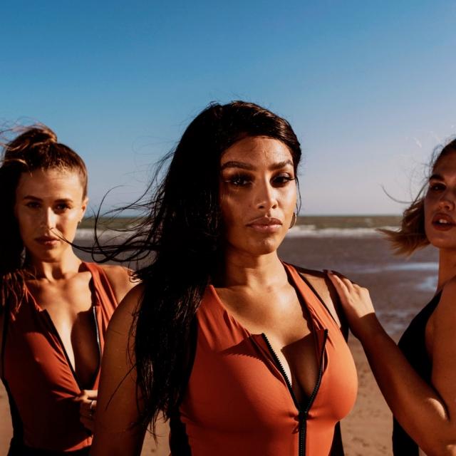 Brands stay wild swim 03